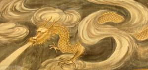 Rồng mang cặp sừng của hươu